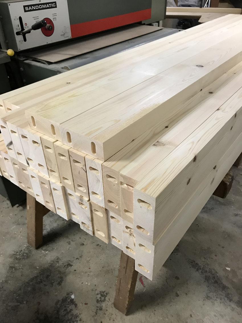 Préparation des bois : perçage des bois verticaux