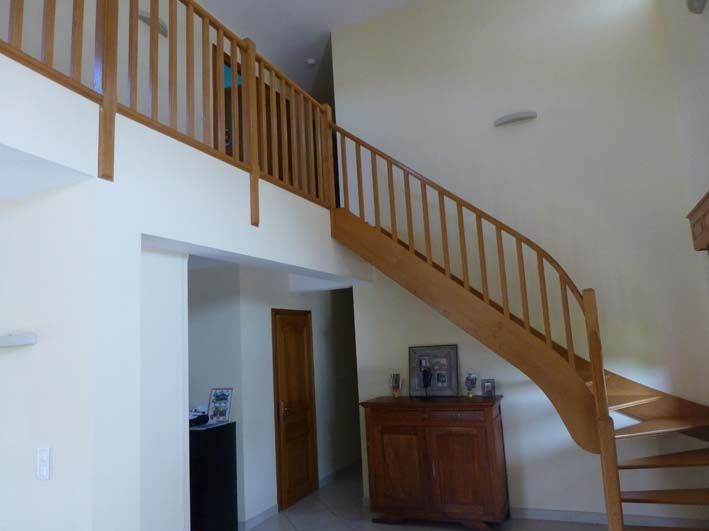Escalier 01b descamps diffusion solesmes