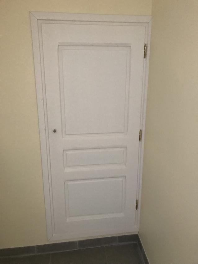 Porte sous l escalier sur mesure